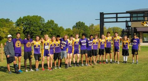 Boys Cross Country Team Races to the End